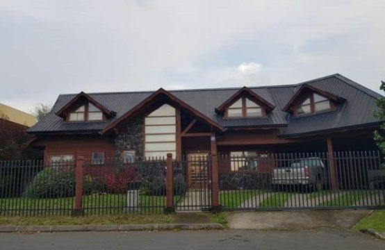 Se Vende Amplia Casa 6D 4B en Condominio Portal de La Frontera, Temuco