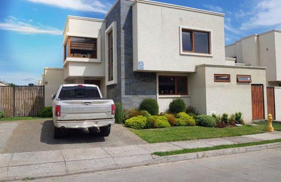 Se vende preciosa casa seminueva en Sector Lomas de mirasur