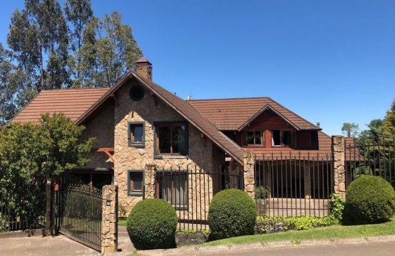 Se vende gran propiedad en exclusivo condominio, Temuco
